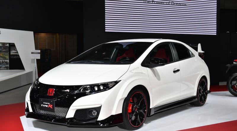 World Performance Car of the Year Award 2016