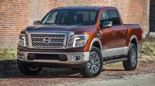 2017 Nissan Titan Crew Cab can Pull 9,390 Pounds