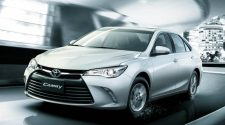 2017 Toyota Camry Launches in Dubai