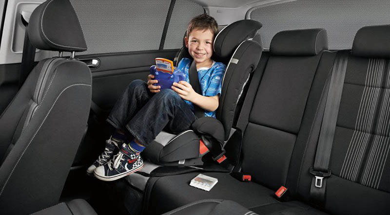 Child Safety Seats for Taxis in Dubai - Motoraty