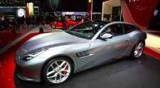 Ferrari GTC4 Lusso T Debuts with A V8 Engine Option