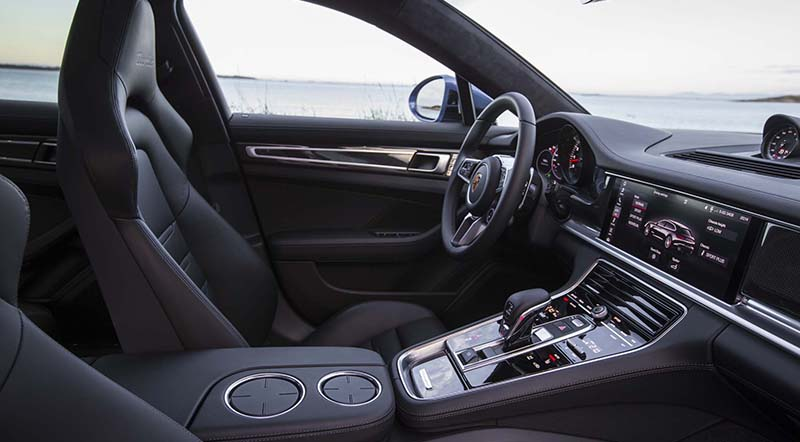 2018 Porsche Panamera Sport Turismo Front Interior Motoraty