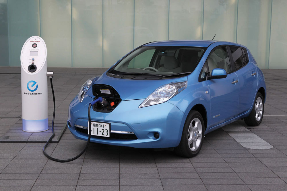 Electric Cars Uk Nissan Leaf Ban On Sale Motoraty Motoraty