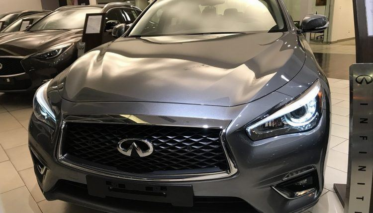 صور وسعر سيارة انفينيتي Q50 2018