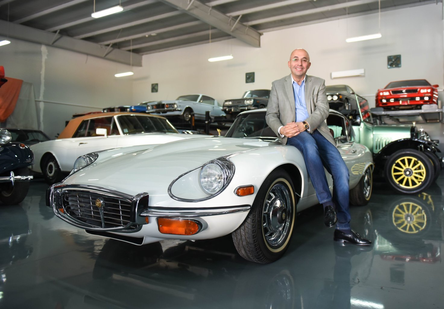 first multipurpose classic cars showroom concept in the uae - motoraty