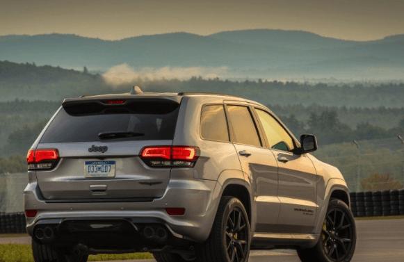 صور سيارة جيب جراند شيروكي 2019 بتحديثات جديدة